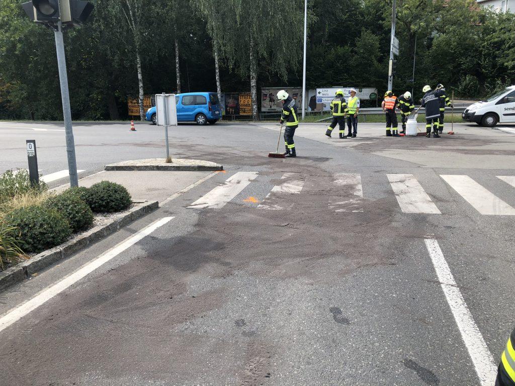 06.08.2018 Verkehrsunfall Aufräumarbeiten B137