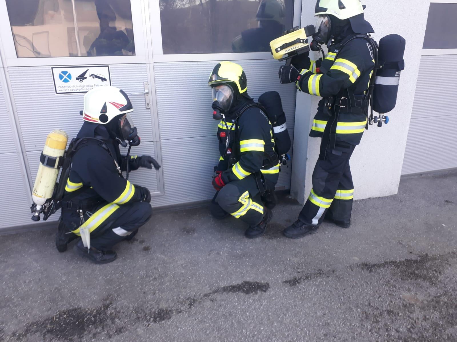 6 neue Atemschutzträger in den Einsatzdienst übernommen
