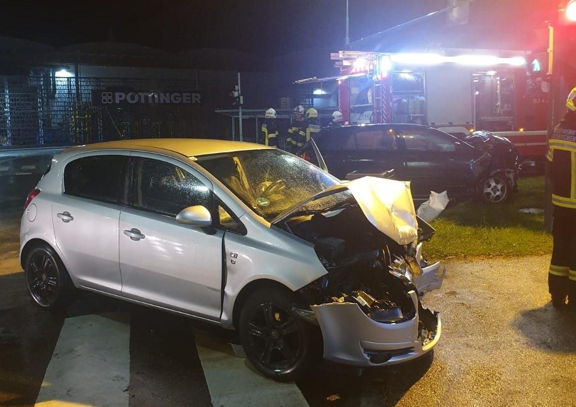 Verkehrsunfall während Einsatzfahrt