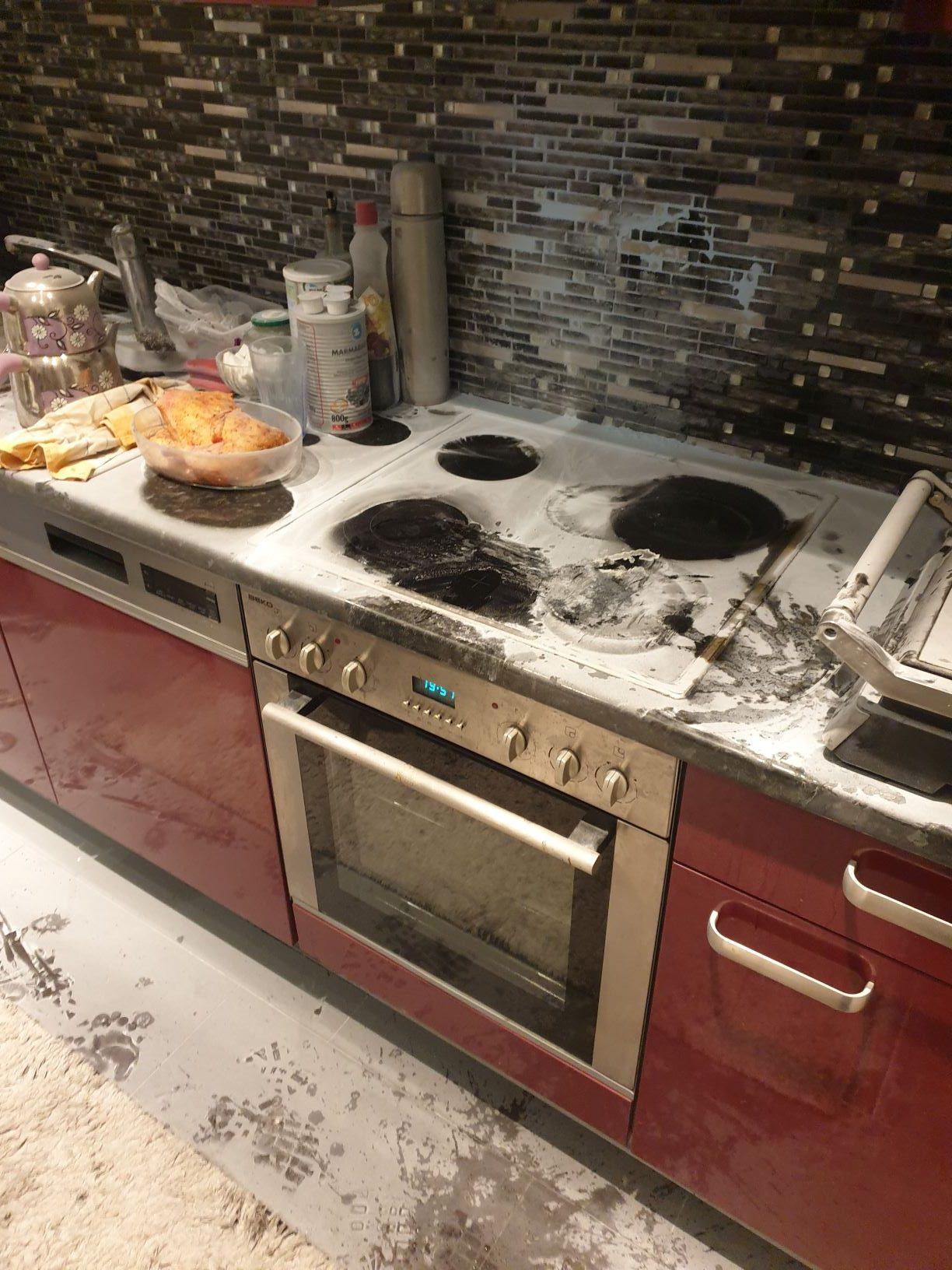 Küchenbrand vor Eintreffen der Feuerwehr gelöscht